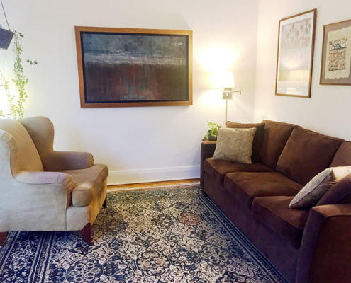 Bilingual Psychologist and Psychoanalyst Dr. Lempert Therapy Room
